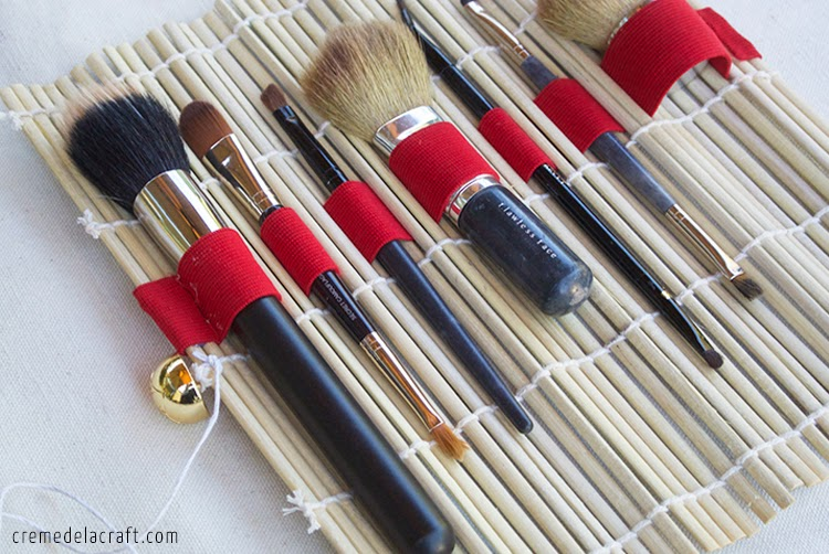 DIY Bamboo Placemat Makeup Brush Organizer