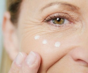 Anti-wrinkle and Wrinkle Reducing Eye Creams.