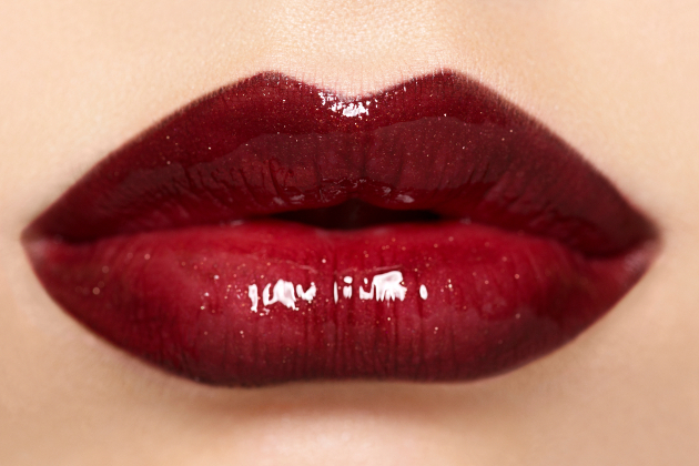 Pro Tips to Stop Lipstick Bleeding and Look Younger