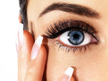 How to get younger looking eyes: Shaping eyebrows to turn back the hands of time